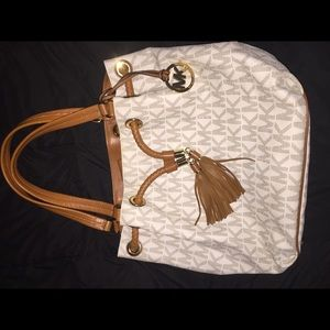 Large Michael Kors Jet Purse